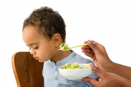 Criança que não come post